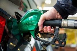 Hand on fuel pump